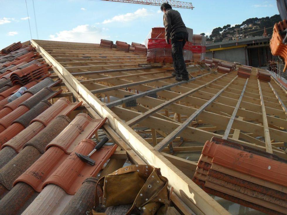 Charpente en fermettes immeuble à Aix en Provence - Pose et réparation toiture et charpente Aix ...
